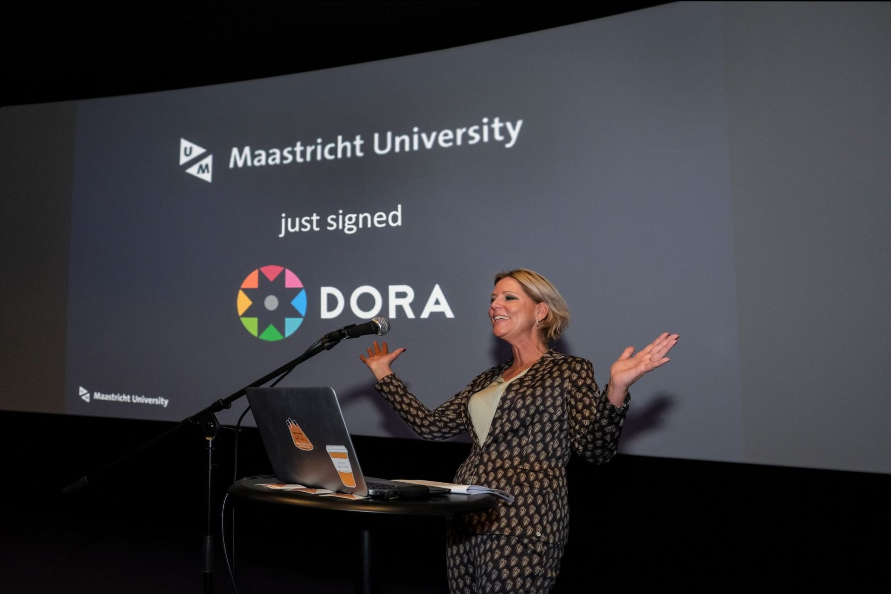 Rianne Letschert - Signing DORA - UM OS Event 2019 8
